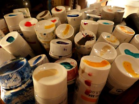 Organizing paint tubes P1000183